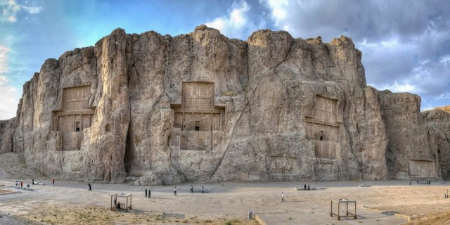 Naqsh-i Rustam – Incredible Reliefs of Persian Empires